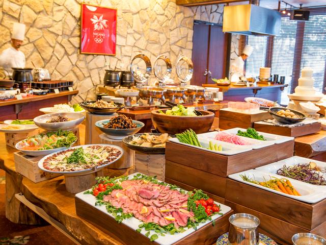 Ladies Adventure Weekend - Mominko Hotel Buffet